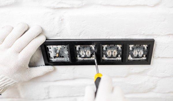 PAT Testing - Plug Socket Fitting - JAH Electrical Services